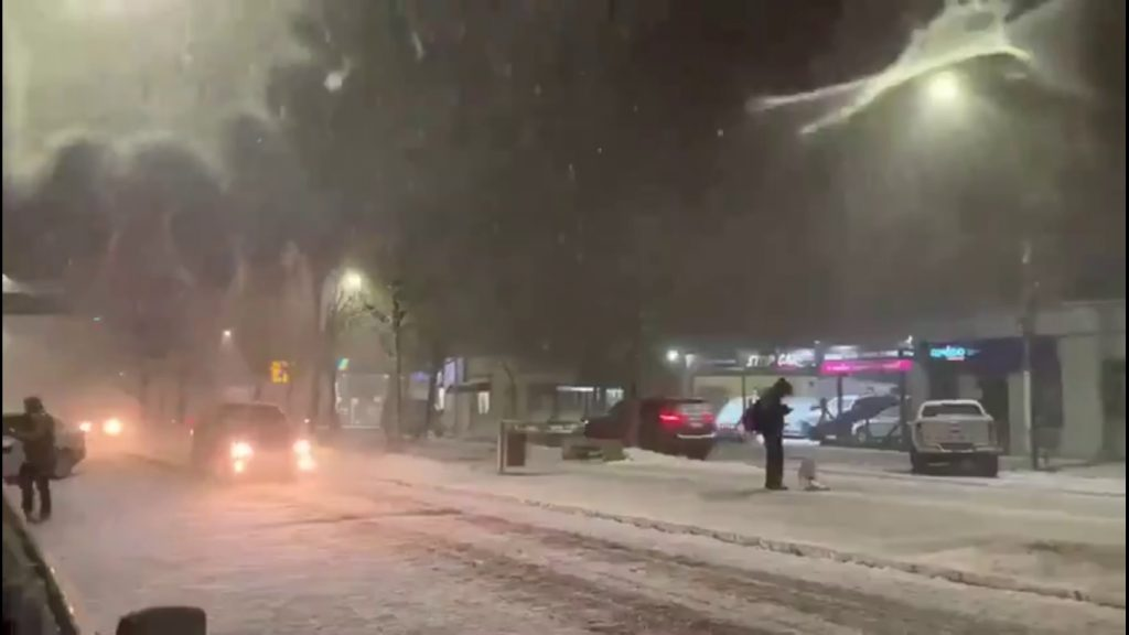 Weather anomalies continue with snow in Brazil