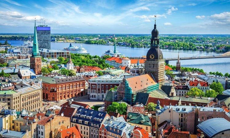 Latvia plans to use its army to suppress the protests