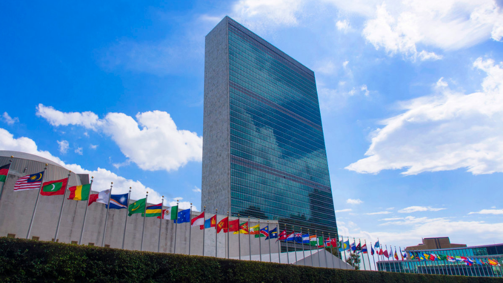 The UN announced the need to vaccinate all people by the end of 2022